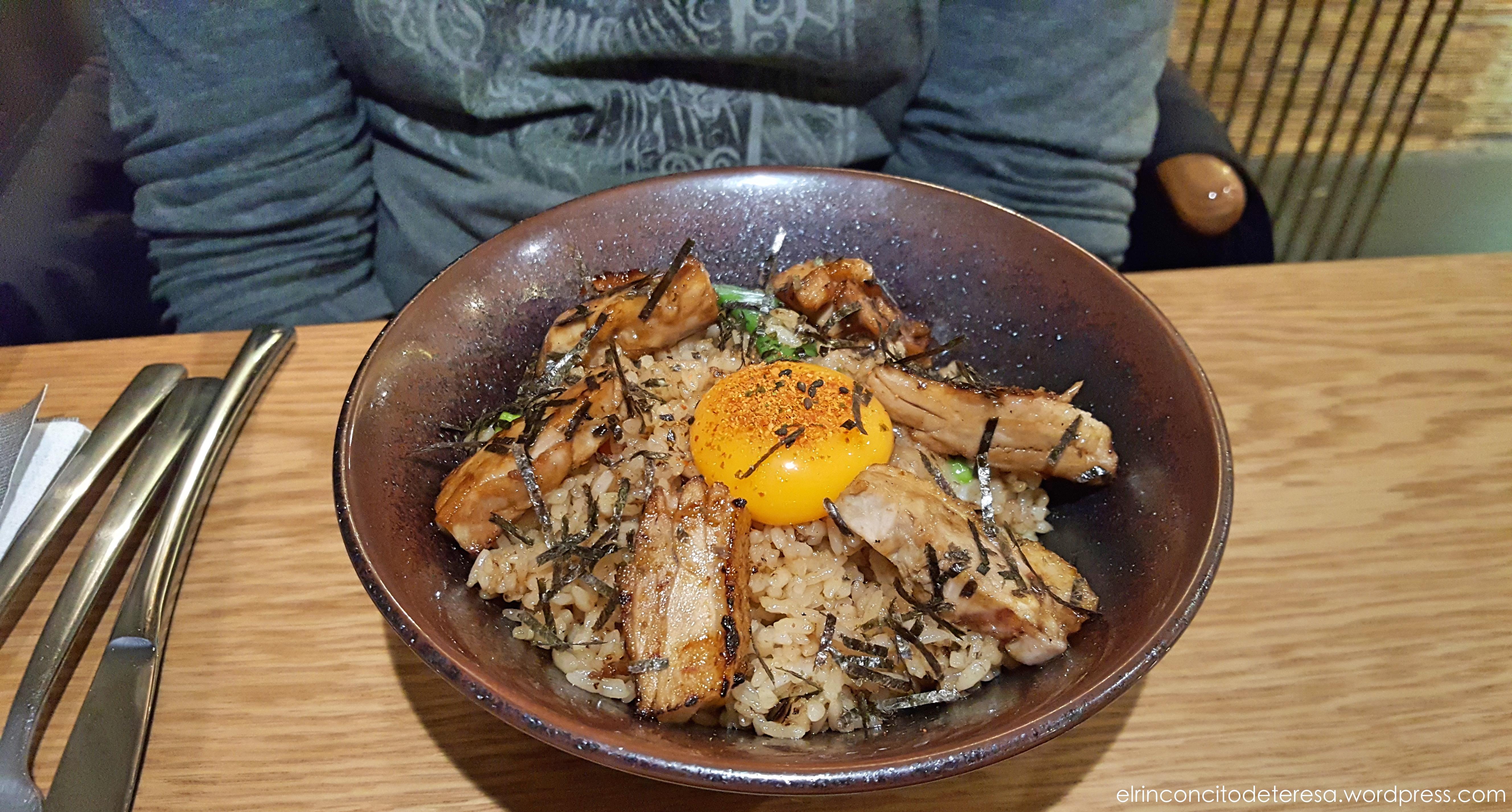 nikkei103-arroz-chaufa-pato