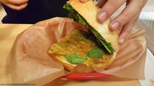 tosta-bcn-pollo-thai-relleno-bocadillo