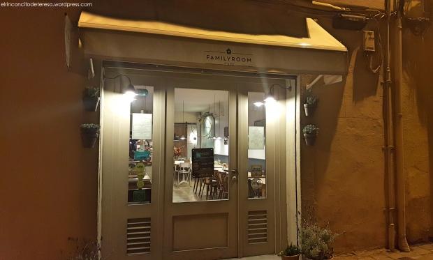 family-room-cafe-entrada