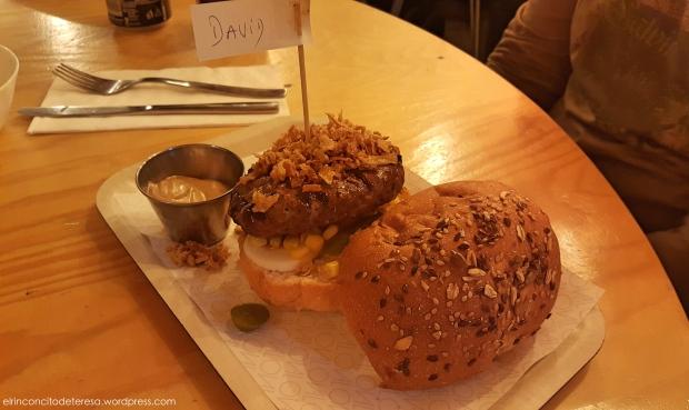 oval-hamburguesa-buey-jalapeño-pimienta