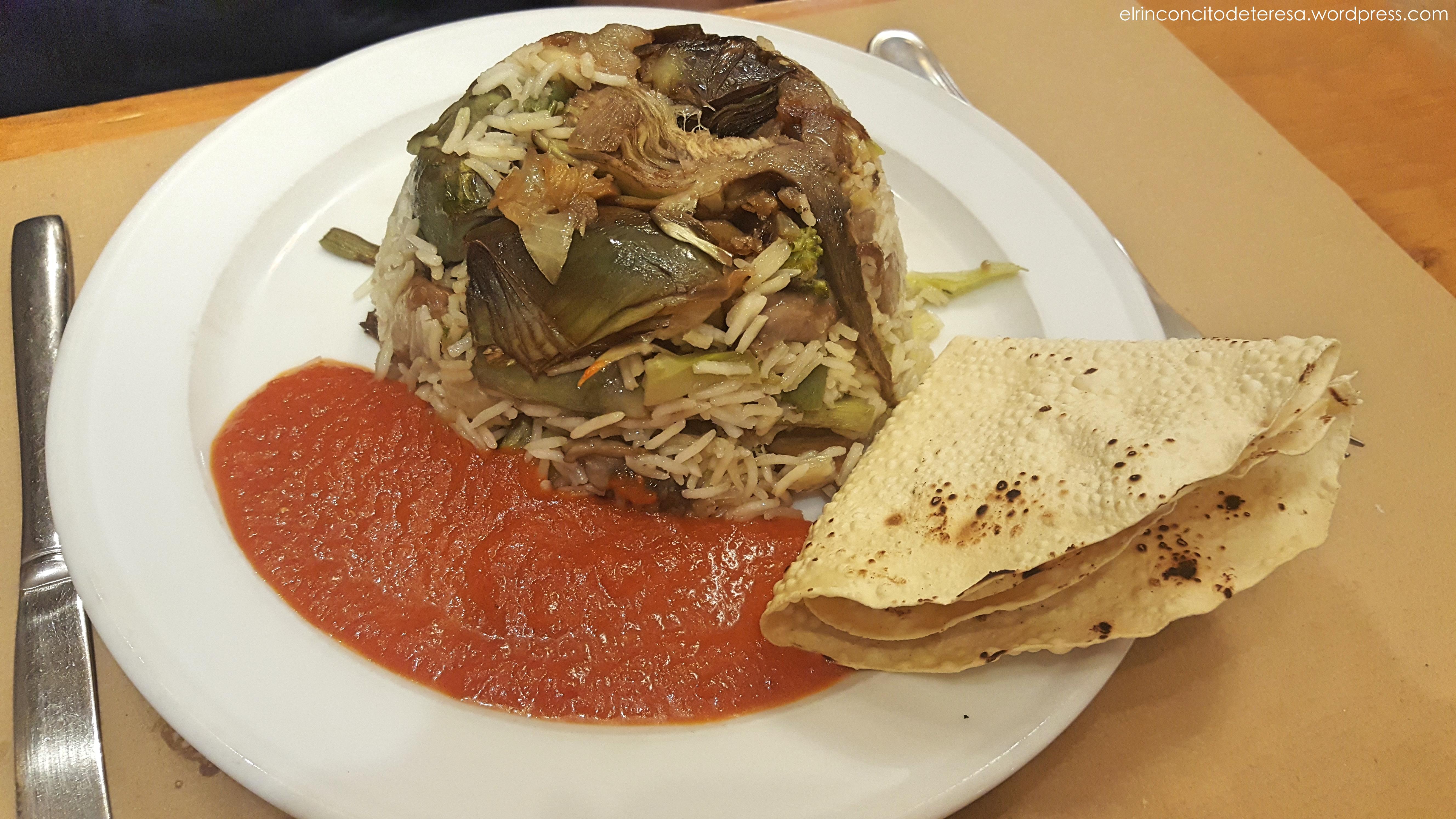 amaltea-vegetariano-arroz-alcachofas