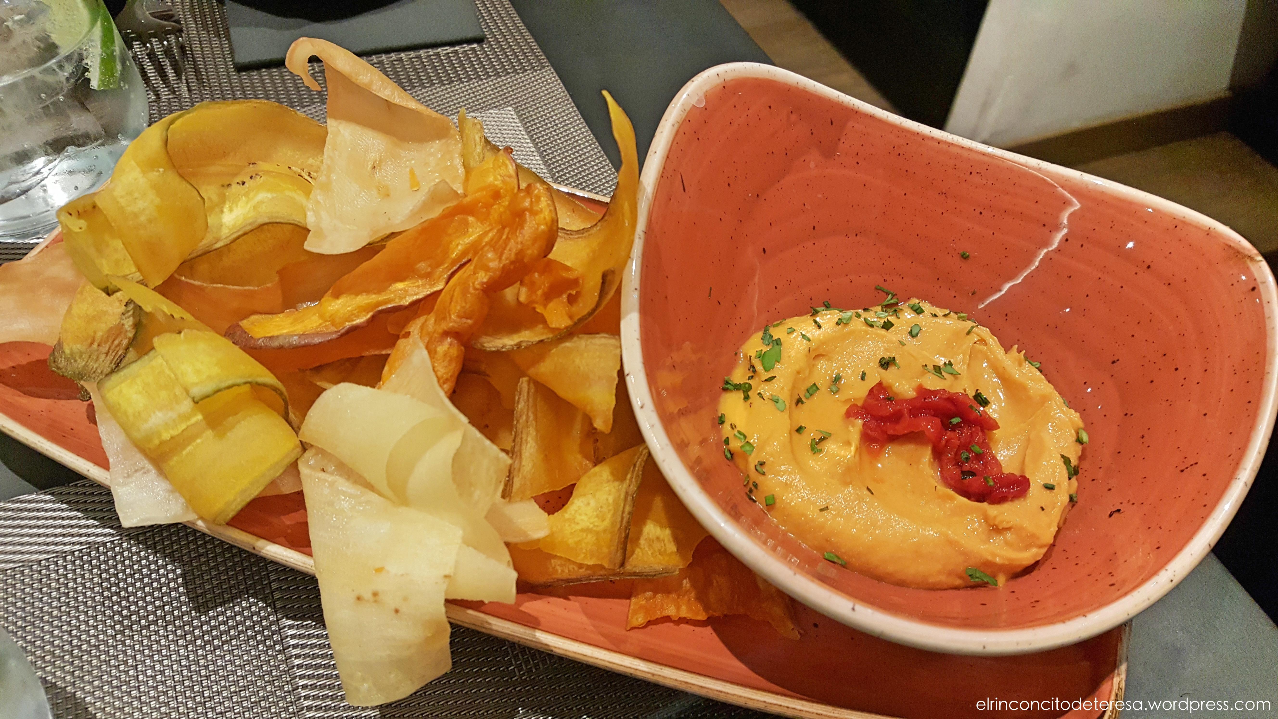 napa-hummus-pimiento-asado