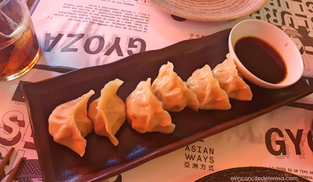 asian-ways-gyoza-carne