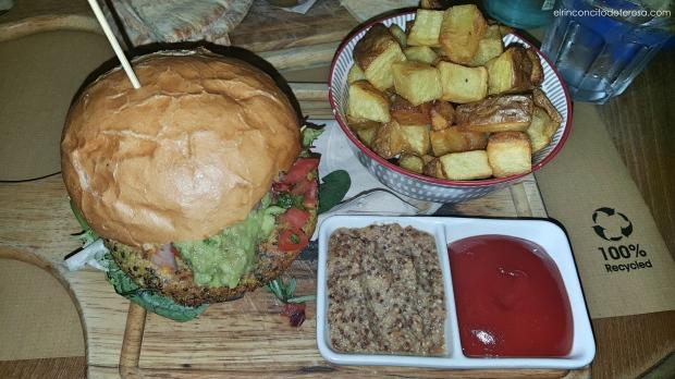 mostassa-hamburguesa-quinoa-kale