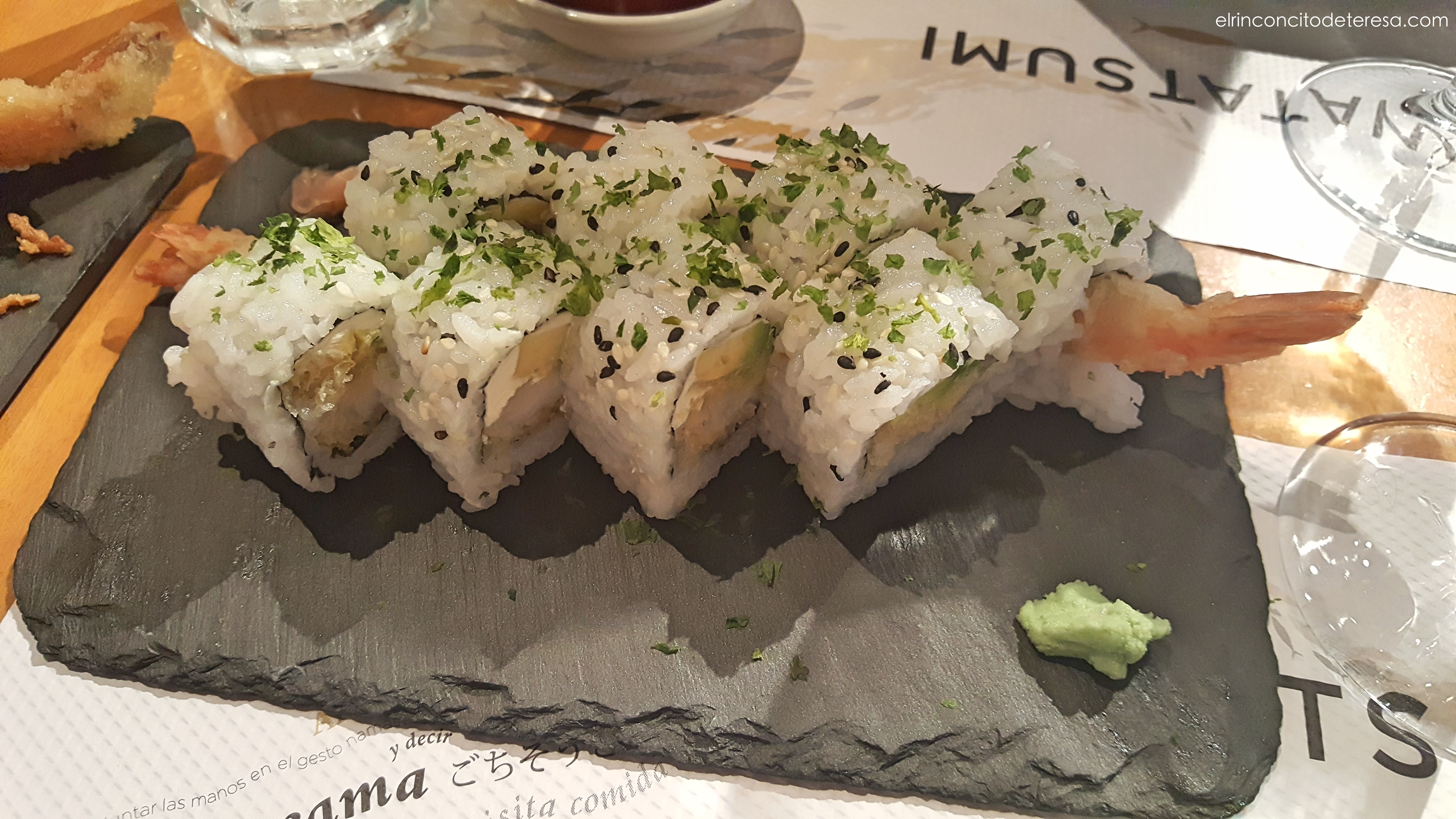 watatsumi-sushi-langostino-aguacate