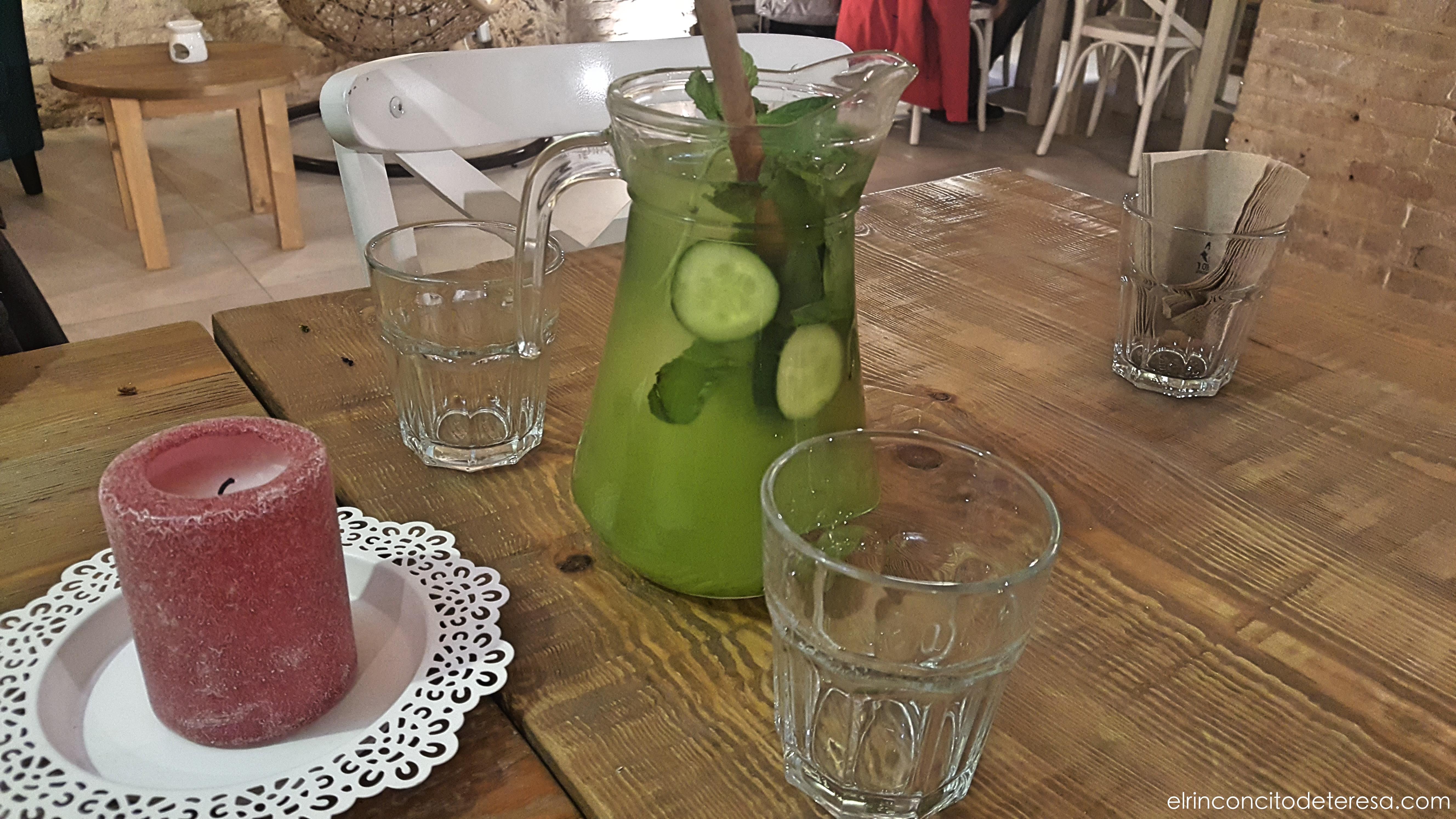 almalibre-agua-menta-pepino-jengibre