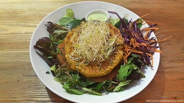 almalibre-hamburguesa-vegana-garbanzos-quinoa