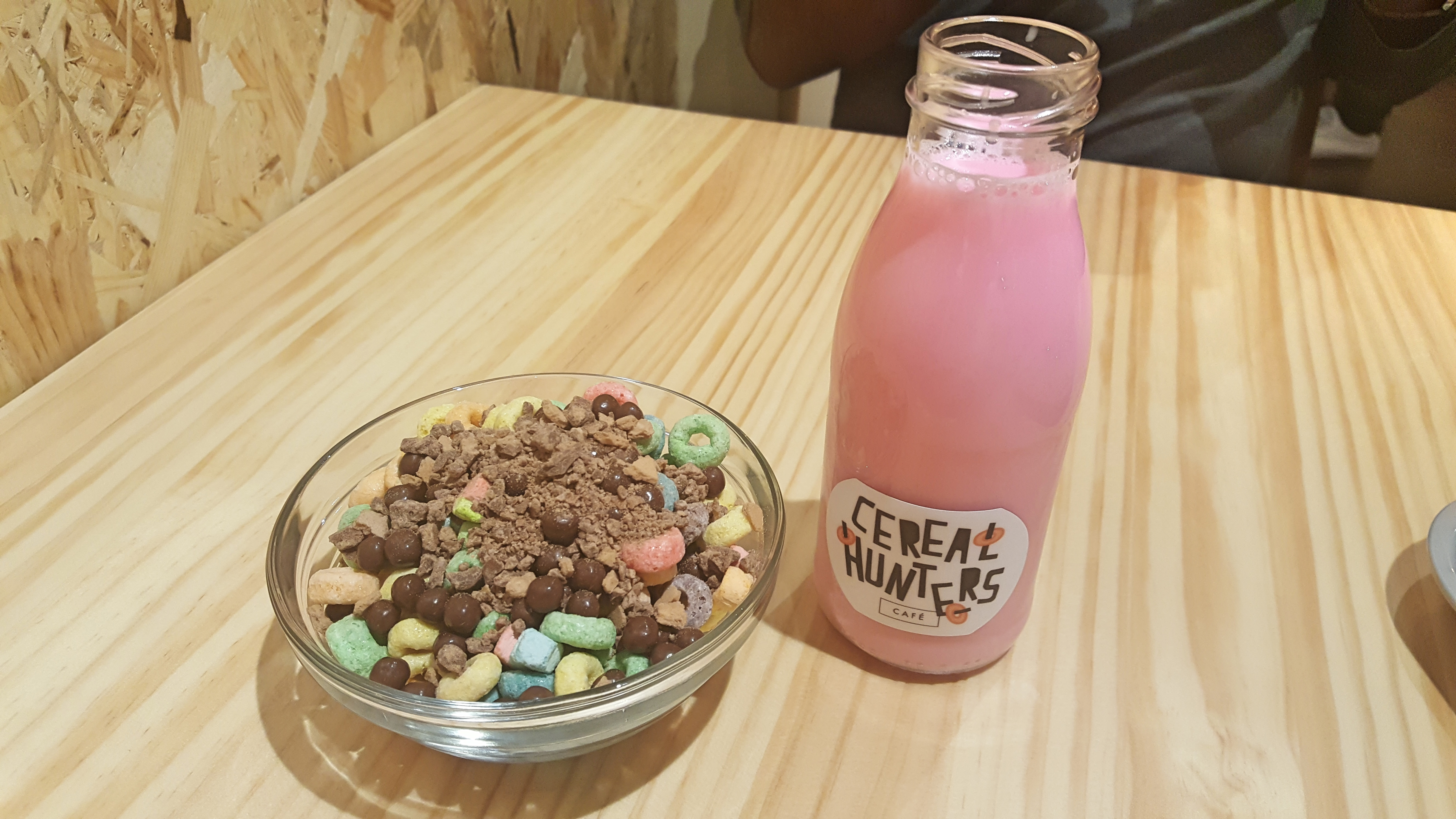 cereal-hunters-leche-rosa