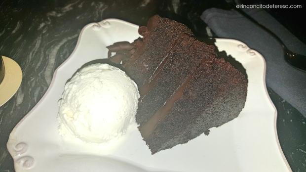 robata-chocolate-cake